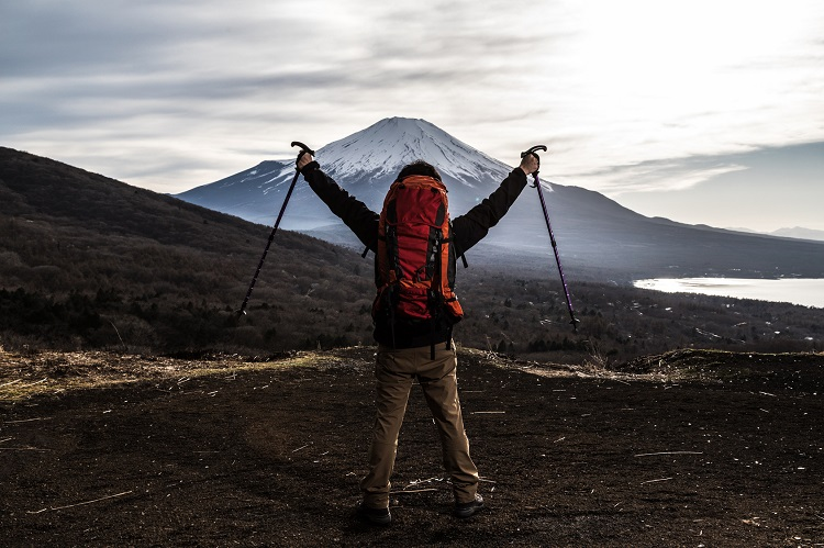 Climb-Mt-Fuji-featured